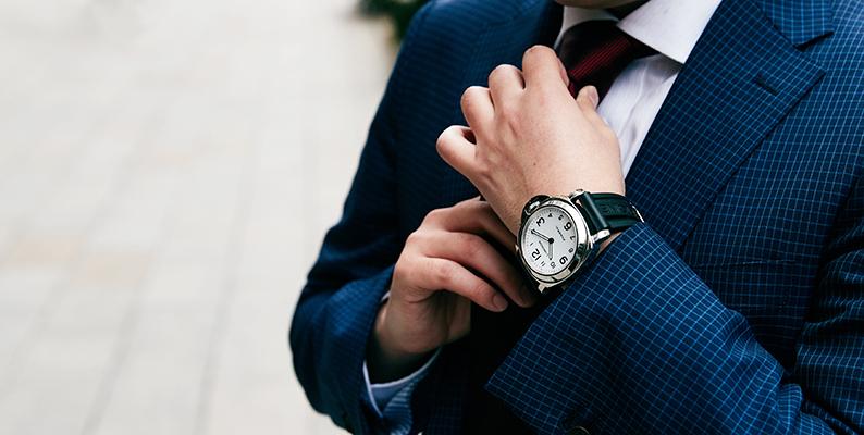 体格別の時計着用画像