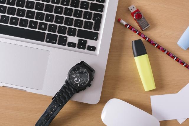 腕時計 磁力