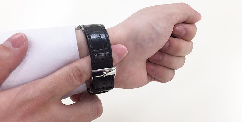 腕時計 隙間