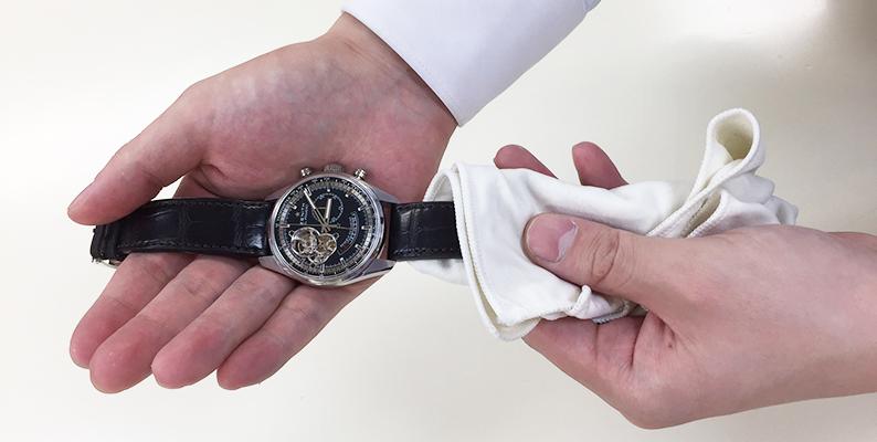 online retailer f8c13 cf0a1 腕時計の革ベルト・ラバーベルトのお手入れ方法 | 腕時計総合 ...