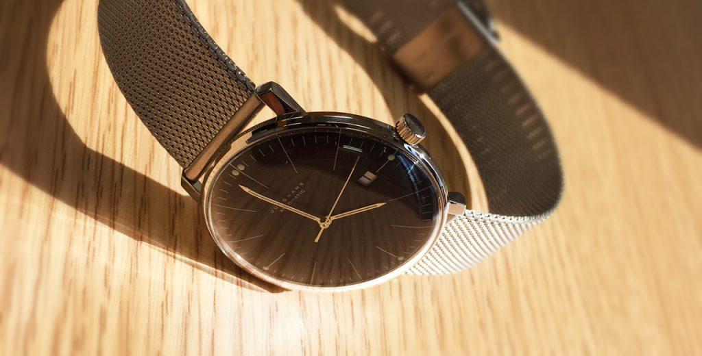 ミラネーゼ・メッシュブレスレットのつけ方 腕時計操作方法のQ&A