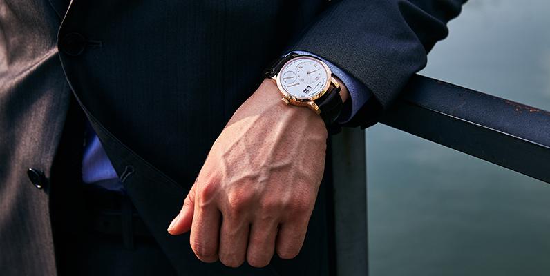 フォーマルシーンにおすすめ!薄型メンズ時計特集