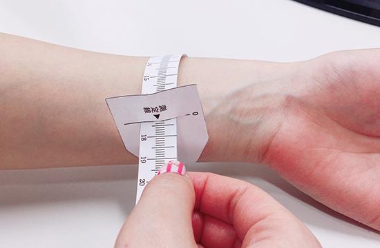 腕周りの正しい測り方とブレスレットのサイズについて