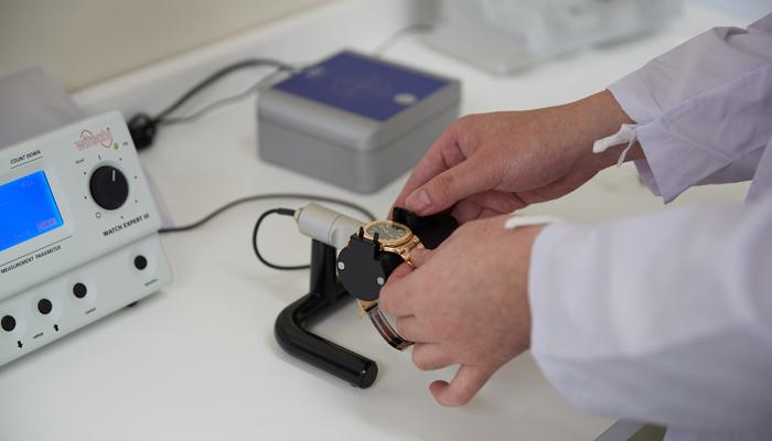 腕時計 修理 ムーブメント